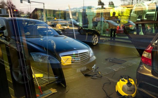 Autowaschanlage, Blaue Stunde