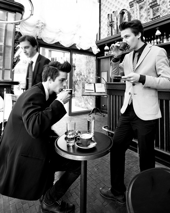 Studenten beim Kaffeetrinken